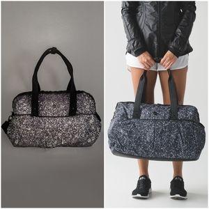 🦄 RARE Lululemon Reflective All Day Duffle Bag